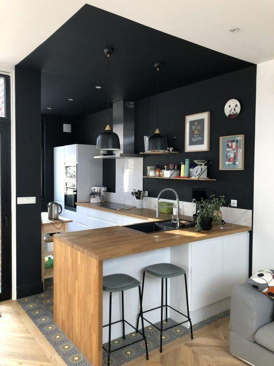 décoration cuisine ouverte noire