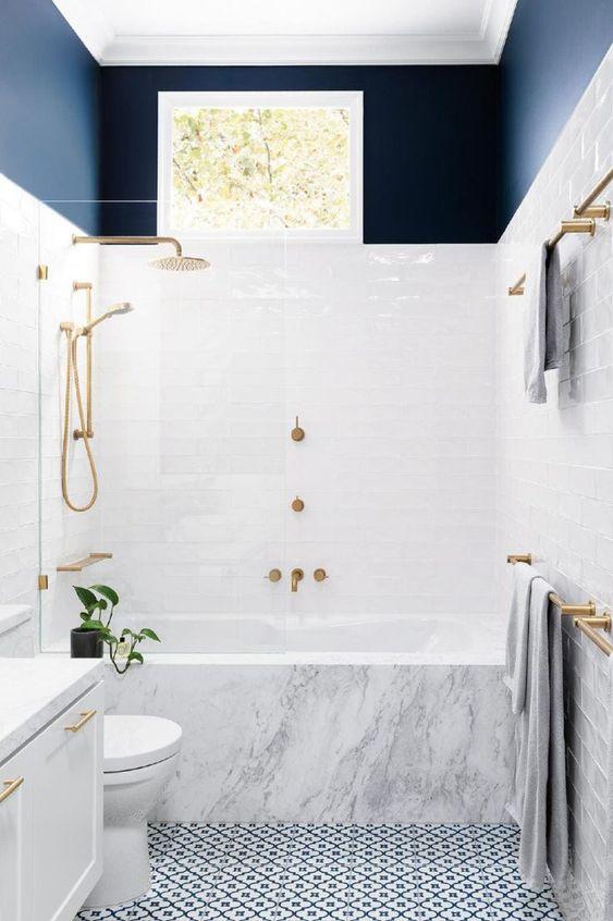idée décoration salle de bain marbre